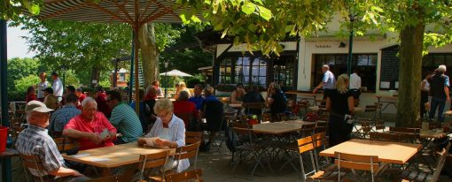 Mała gastronomia w wakacyjnych kurortach – biznes tylko na sezon